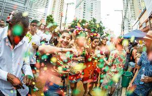 Blocos temáticos tomam conta do carnaval em São Paulo