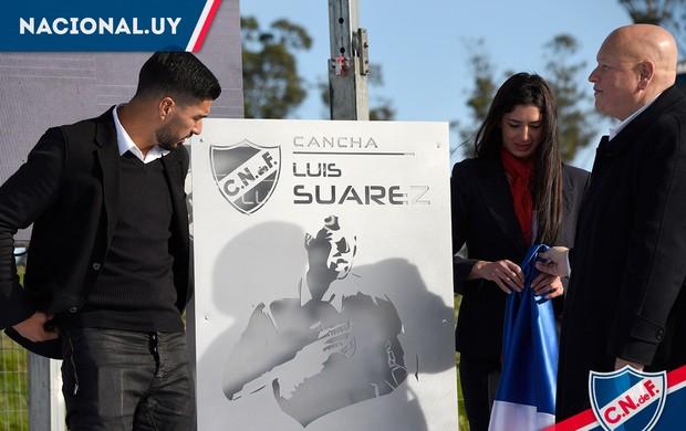 Luis Suárez vira nome de campo no CT do Nacional