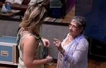 Geralda procura Maria Claudia para dizer que estão armando para Matheus