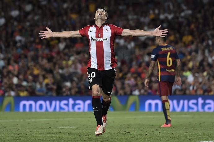 Aritz Aduriz comemora o gol pelo Athletic (Foto: JOSEP LAGO / AFP)
