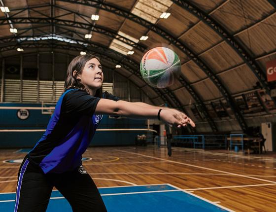 MENINA FORTE  Maria Neves,15 anos,atleta.Ela gosta da marca que defende  o esporte como forma de preparar garotas para desafios (Foto:  Filipe Redondo/ÉPOCA)
