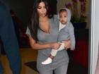 Kim Kardashian e North usam looks combinados