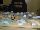 Polícia encontra mais de R$ 17 mil em painel de carro apreendido após roubo