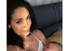 Bella Falconi posa com a filha, Victoria