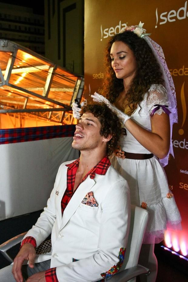 Débora Nascimento e Loreto (Foto: Marcello Sá Barretto / AgNews)