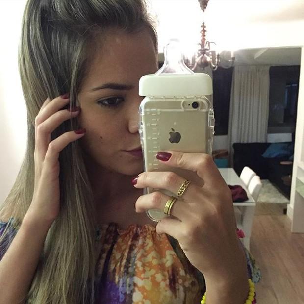 Ex-BBB Adriana posa para selfie (Foto: Instagram/ Reprodução)