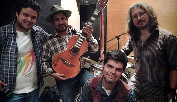 Banda Novos Caipiras, de repórter do Mais Caminhos, se apresenta em Campinas (SP) (Foto: Divulgação/Novos Caipiras)