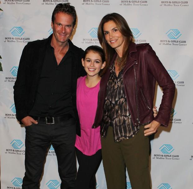 Kaia Gerber com os pais, Cindy Crawford e Rande Gerber (Foto: Getty Images)