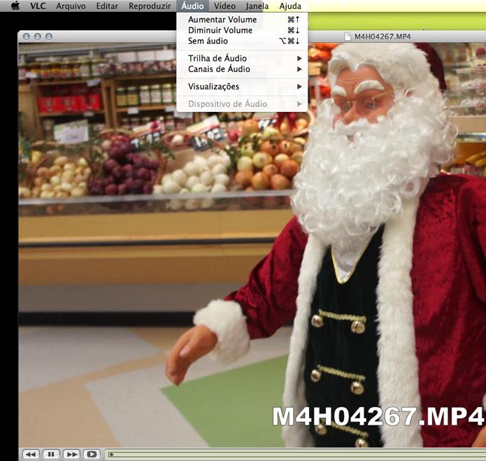 Clique em Áudio, no menu superior, para configurar a trilha e as legendas. (Foto: Reprodução)