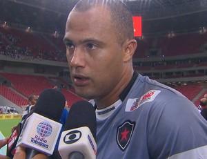 Genivaldo, goleiro do Botafogo-PB, na partida contra o Náutico pela Copa do Nordeste 2014 (Foto: Reprodução / Globo Nordeste)