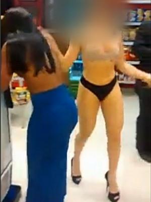 Jovens dançam seminuas dentro de loja de conveniência de posto de combustível de Goiânia, Goiás (Foto: Reprodução/ TV Anhanguera)