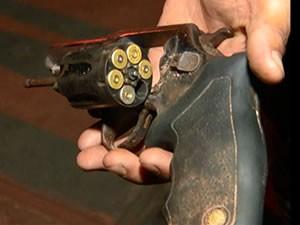 Suspeito chegou a atirar na vítima, que reagiu  (Foto: Reprodução/TV Tapajós)