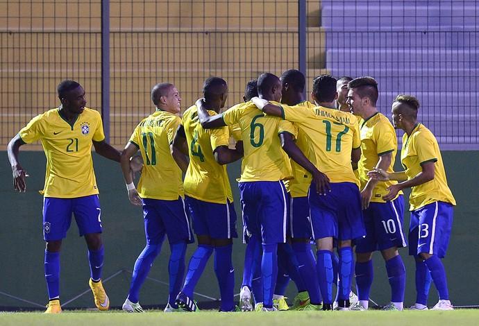 Comemoração do Brasil sub20 contra o Chile (Foto: Agência AFP )