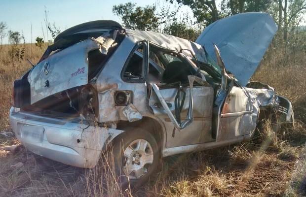 Três morrem após carro capotar na GO-244; motorista fugiu, diz PRE em Goiás (Foto: Divulgação/Polícia Civil)