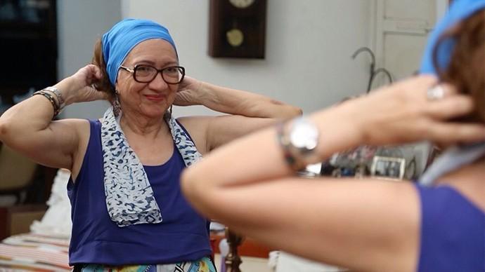 Francisca Mascarenhas usa perucas para manter o visual e sua vaidade (Foto: Gshow/Rede Clube)