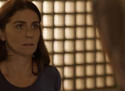 Alice visita César na cadeia e tenta descobrir paradeiro de Tanaka