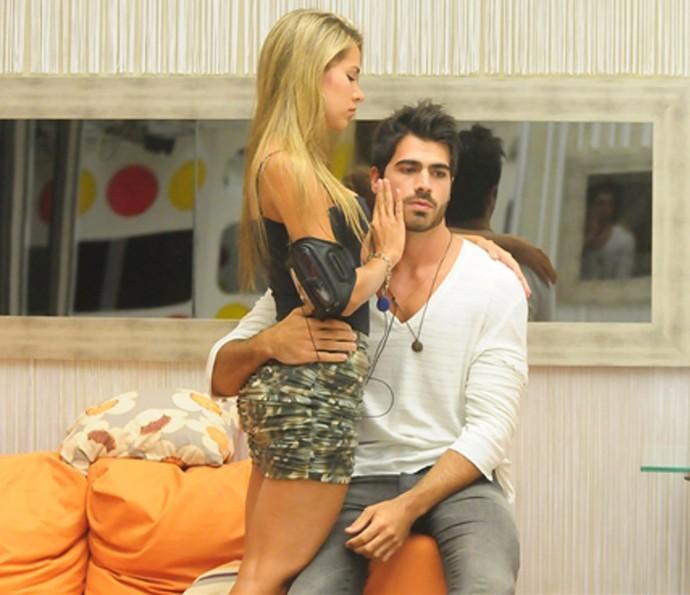 Adriana e Rodrigão no começo do namoro, no BBB11 (Foto: Frederico Rozário/TV Globo)