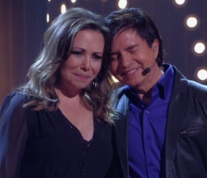 Noely e Xororó mostram emoção durante a apresentação (Foto: TV Globo)
