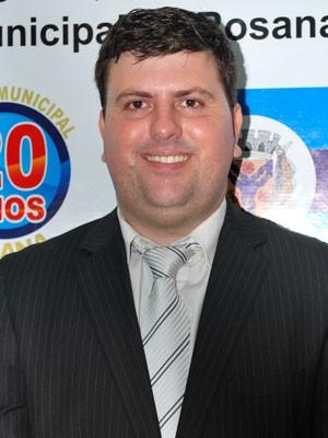 Roberto Fernandes Moya Júnior foi flagrado em escuta telefônica (Foto: Câmara de Rosana/Reprodução)