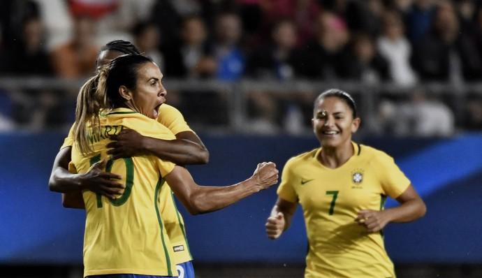 Marta, Brasil x França (Foto: JEFF PACHOUD / AFP)