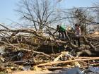 Sudeste dos EUA se recupera após tornados que deixaram 15 mortos