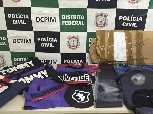 Material apreendido em fábrica clandestina localizada em Ceilândia (Foto: Polícia Civil/Divulgação)