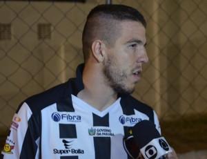 Roberto Dias, zagueiro do Botafogo (Foto: Amauri Aquino / GloboEsporte.com)