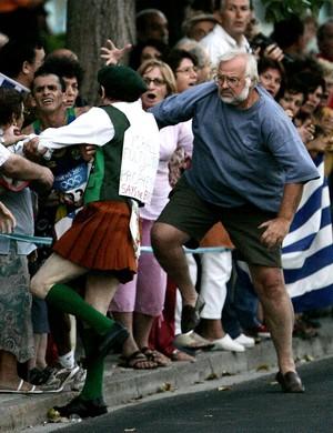 atletismo Vanderlei Cordeiro de Lima olimpíada de Atenas 2004 (Foto: Agência Reuters)