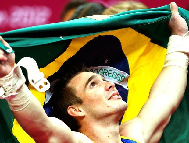 Arthur Zanetti comemora ouro na prova de argola ginástica (Foto: Reuters)