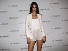 Kendall Jenner é blindada por assessores e não fala sobre o pai
