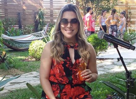 Naiara Azevedo confessa usar botox: 'Tem que fazer, senão a cara cai'