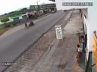Vídeo mostra moto atropelando avó e neta em SP; mulher morreu