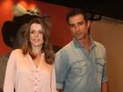 Marcos Pasquim e Daniele Suzuki vão ao teatro no Rio