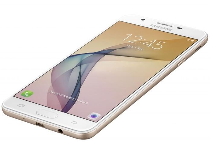 Galaxy J7 Prime é um aparelho com menos recursos, mas com preço atraente (Foto: Divulgação/Samsung)