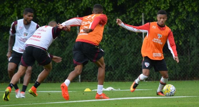 David Neres participou do treino nesta quarta-feira, no CT da Barra Funda (Foto: Ana Luiza Rosa - site oficial do São Paulo FC)