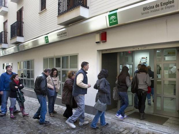 Desemprego espanha (Foto: Agência EFE)