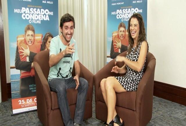 Ricardo Fela entrevista o elenco de 'Meu Passado Me Condena' (Foto: Reprodução / TV TEM)