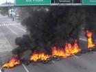 Novo protesto de taxistas bloqueia Mascarenhas de Morais, na Zona Sul