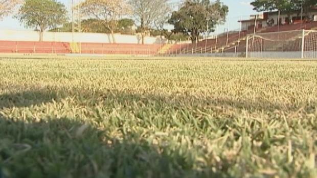 Estádio Nassri Mattar recebe visita da federação mineira de futebol (Foto: Reprodução InterTV)