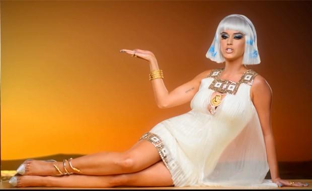 Katy Perry no vídeo de 'Dark horse' (Foto: Divulgação)