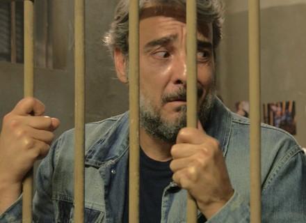Juju provoca delegado e é preso