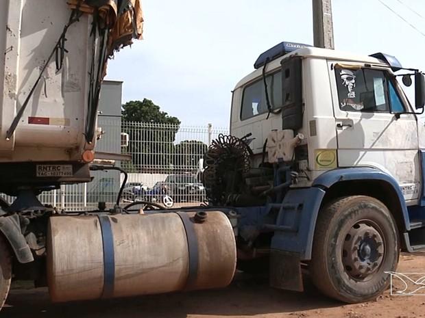 Veiculo seria usado no transporte da safra de grãos (Foto: Reprodução/TV Mirante)