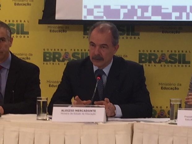 Ministro Mercadante divulga resultados do CPC. (Foto: Jéssica Nascimento/G1 DF)