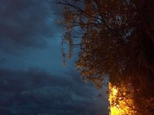 Porto Alegre amanheceu com céu encoberto (Foto: Everton Chrisostomo/RBS TV)