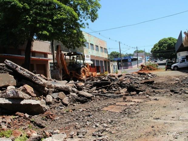 Rua Joaquim Nabuco terá canteiro removido em Campo Grande (Foto: Farid Fahed/PMCG)