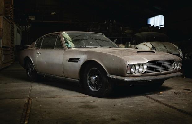 Seção central do Aston Martin DBS sobreviveria até os anos 80 em outros modelos (Foto:  Divulgação)