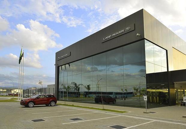 Em meio à crise, Jaguar Land Rover inaugura fábrica de R$ 750 milhões no Brasil