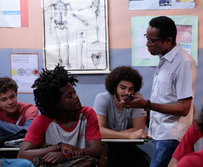 Professor exige que o aluno apague a postagem da rede social (Foto: Felipe Monteiro/Gshow)
