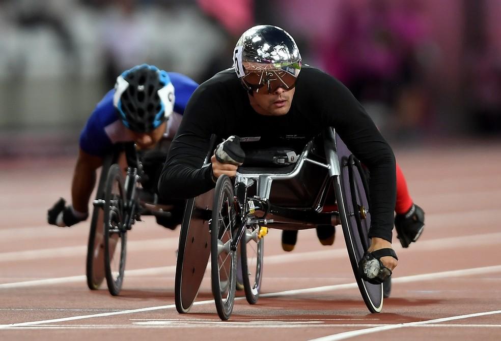 Suíço Marcel Hub ficou com o ouro dos 800m T54 no Mundial de Atletismo Paralímpico de Londres (Foto: Mike Hewitt/Getty Images)