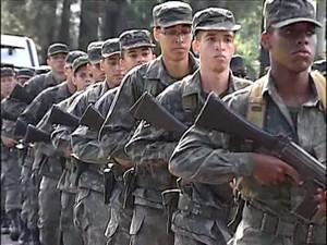 Militares do Exército de Uberlândia fazem treinamento visando Mundial (Foto: Reprodução/TV Integração)